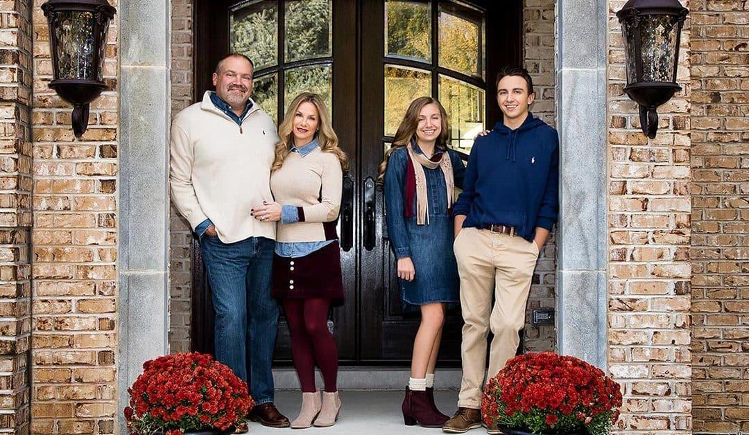 Family Photo Session in Lakewood, Illinois